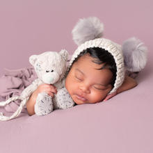Newborn Photo Sample -- 2019-11-10