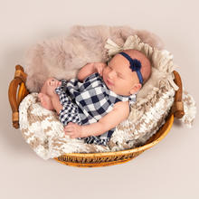 Newborn Photo Sample -- 2019-08-12