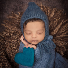 Newborn Photo Sample -- 2018-04-03